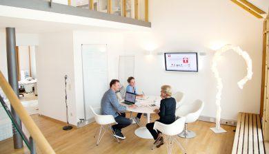 Unter einem Dach: dentale Expertise hoch Drei